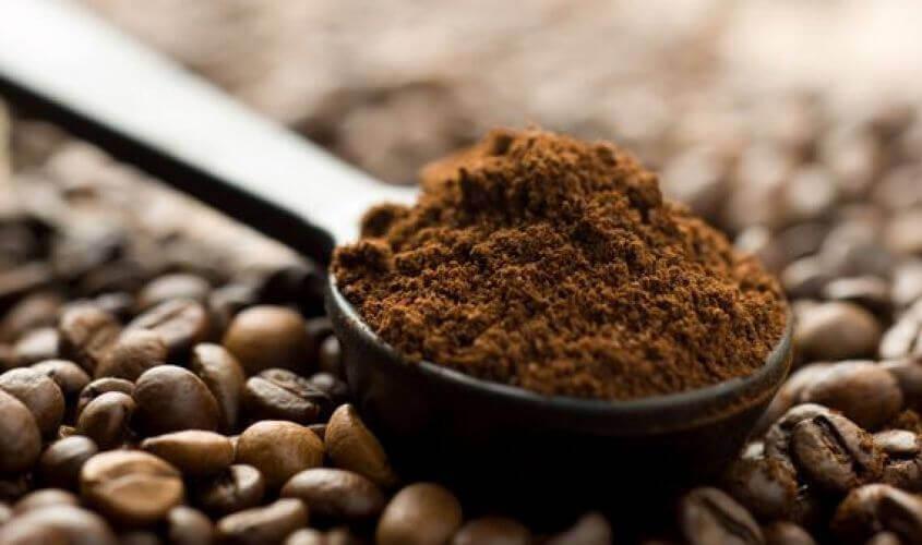 lepel met koffiedik