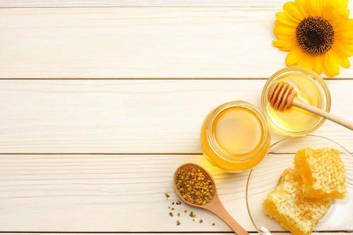 potjes honing en losse honingraten