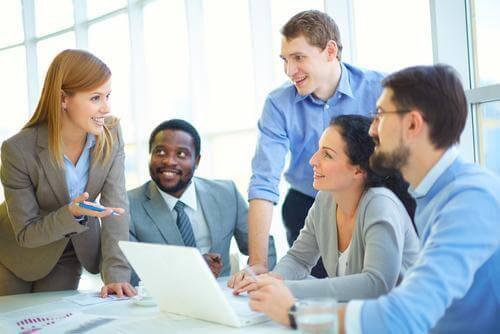collega's in gesprek
