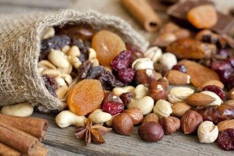 Zaden en noten en granen om te helpen je spieren te vormen