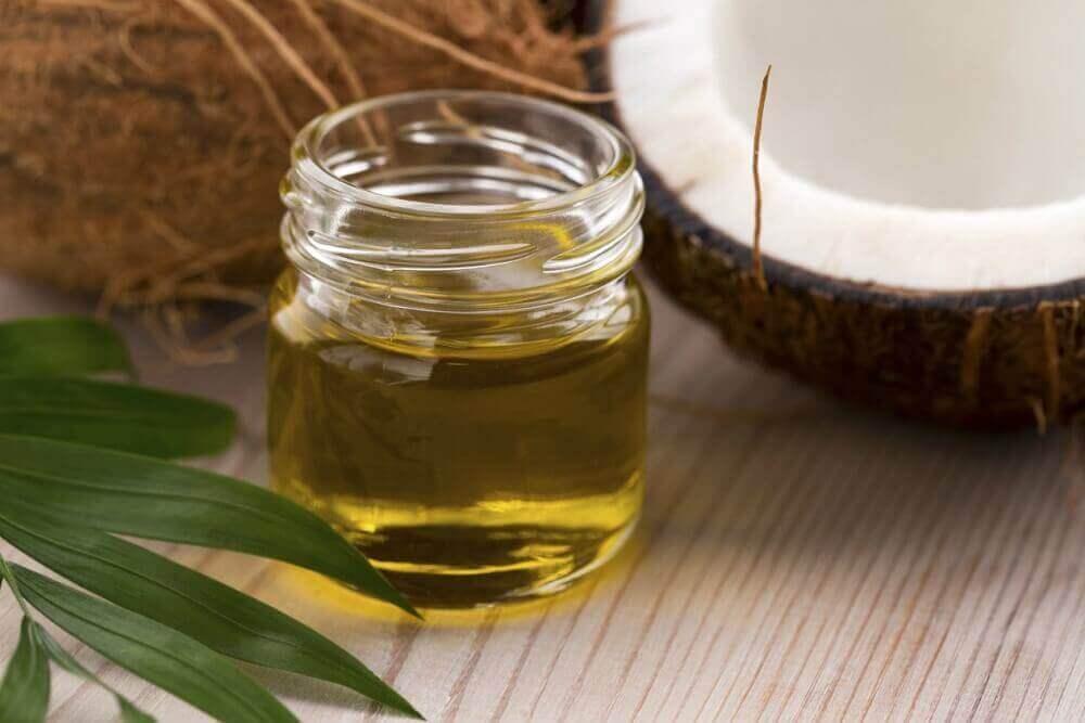 Kokosolie hydrateert de huid goed
