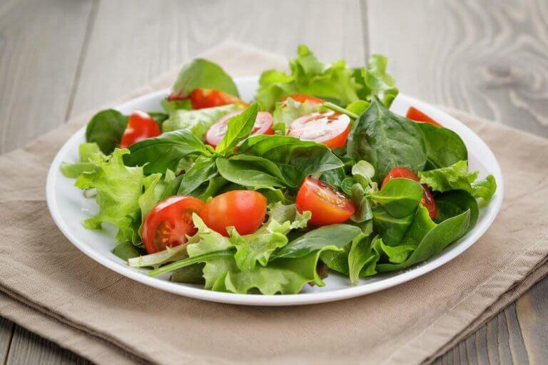 Salade met tomaten