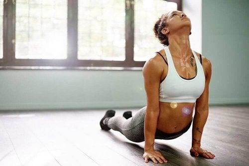 Kracht oefenen met yoga