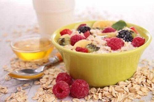 4 voedzame ontbijtideeën gebaseerd op fruit