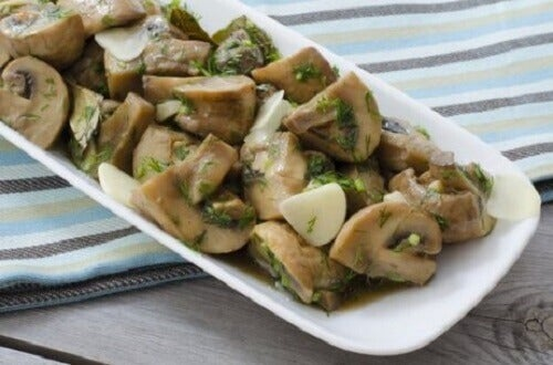 Aardappelen met champignonsaus