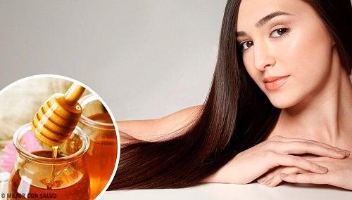 Ontdek de nuttige eigenschappen van honing voor je haar
