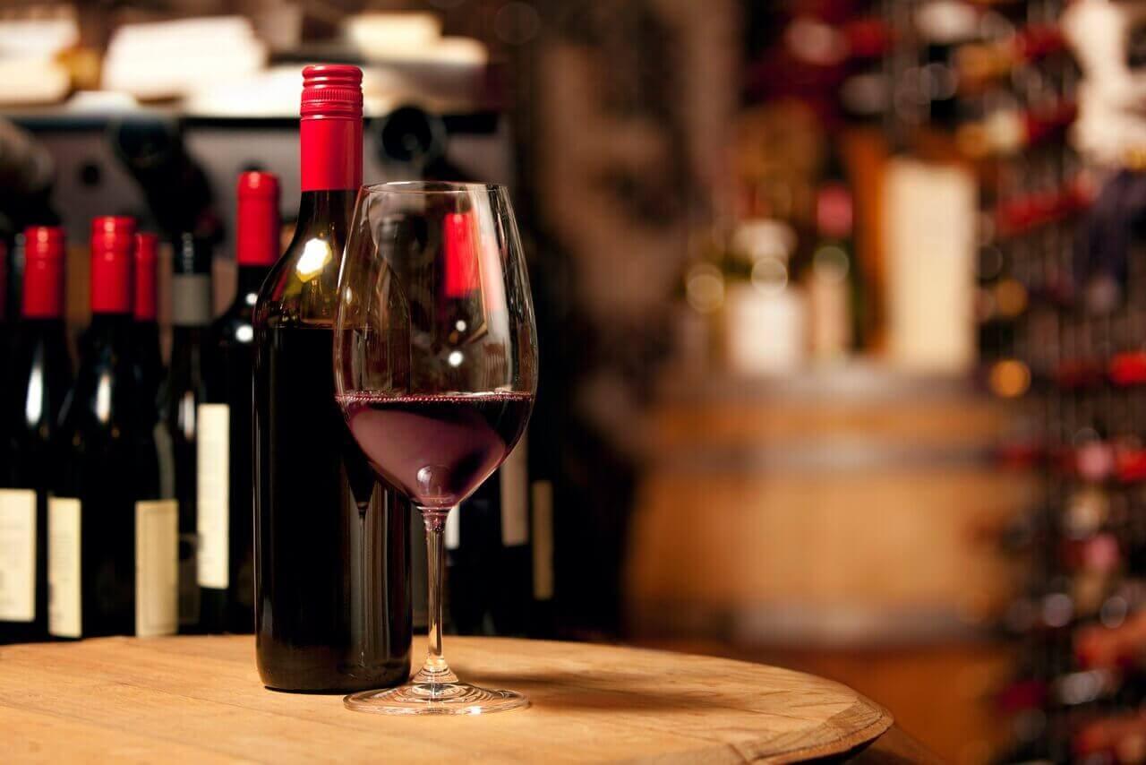 Welke wijn is gezonder - een oude of een jonge wijn