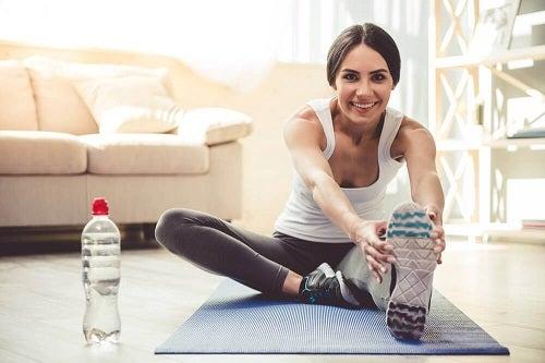 Zeven gemakkelijke oefeningen die je thuis kan uitvoeren