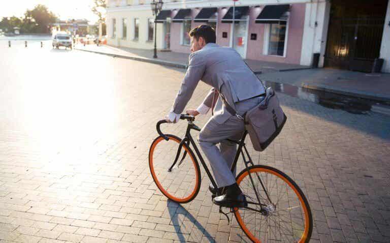 Naar het werk fietsen vermindert werkstress