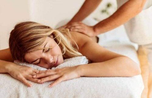 Massage met olie om vet te verliezen