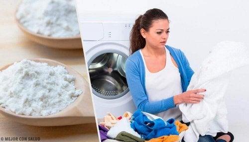 Olievlekken uit kleren verwijderen met deze tips