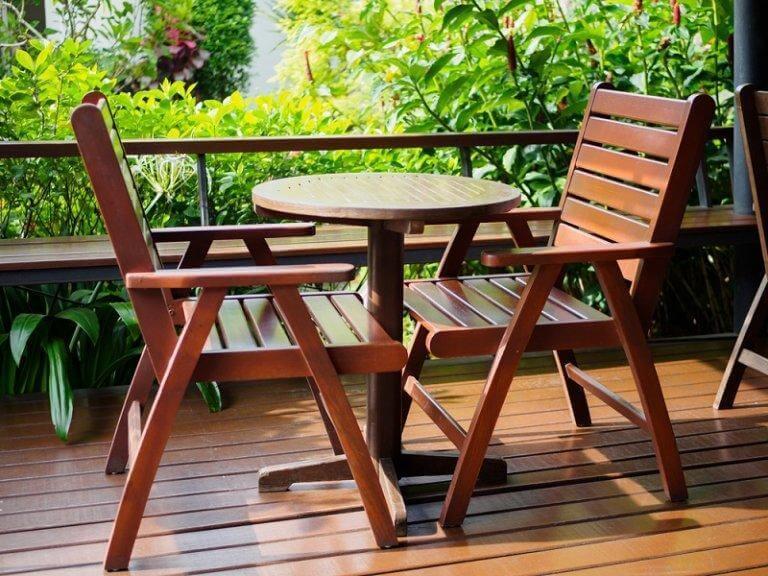 Hoe onderhoudt je houten meubels