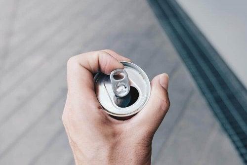 een open drankblikje voor originele toepassingen voor gerecyclede blikjes