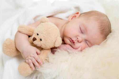 4 stappen om je baby in slaap te krijgen