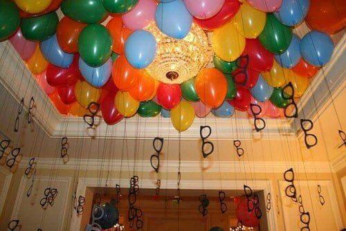 Een gekostumeerd feest een manier om een verjaardag aan te kleden