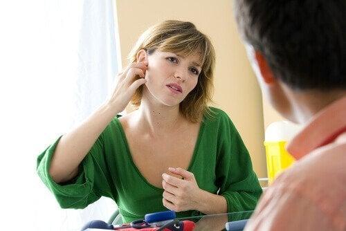 Hoe kan je uien als remedie gebruiken bij oorontstekingen?