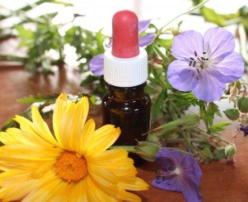 Etherische olie en bloemen