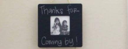 gebruik schoolbordverf voor je familiefotos