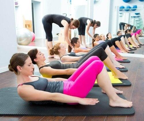 Kun je calorieën verbranden met yoga?