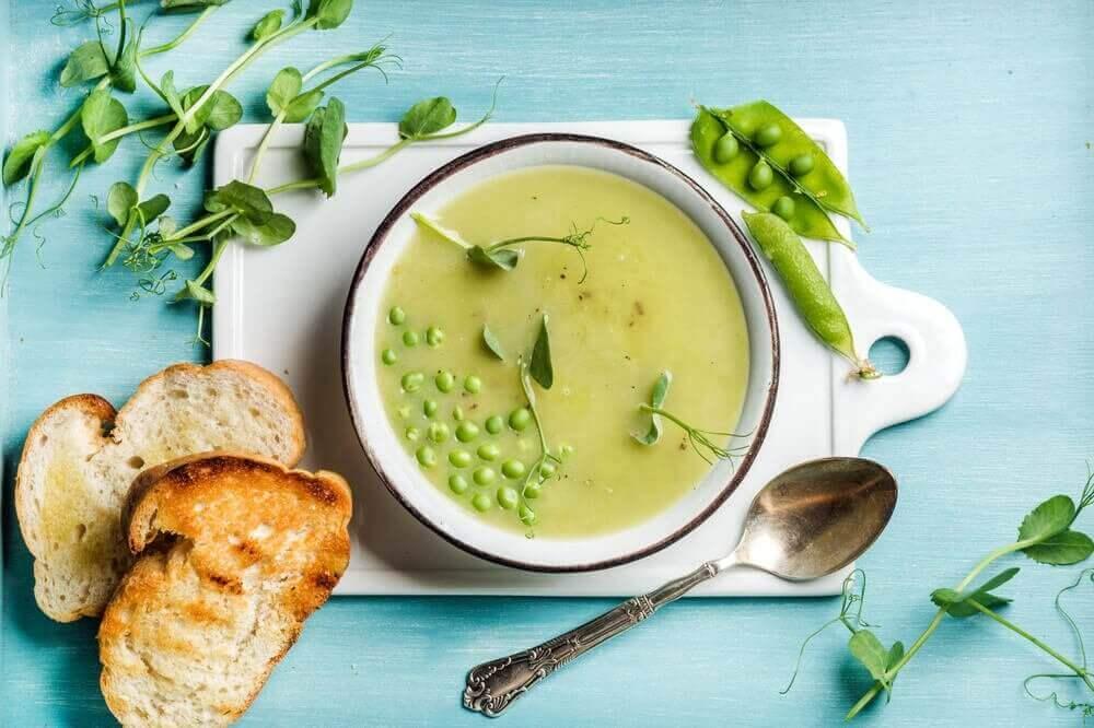 soep met brood op het juiste tijdstip om te eten
