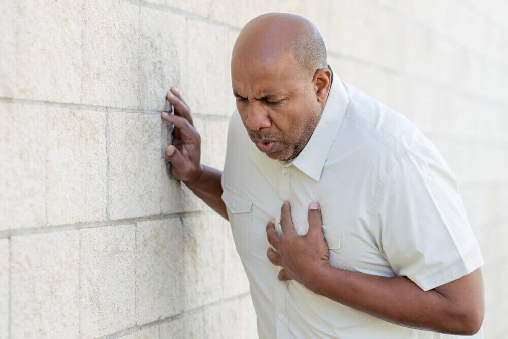 man heeft hartaanval