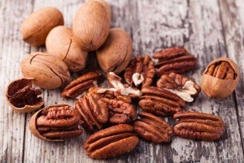 noten op een tafel