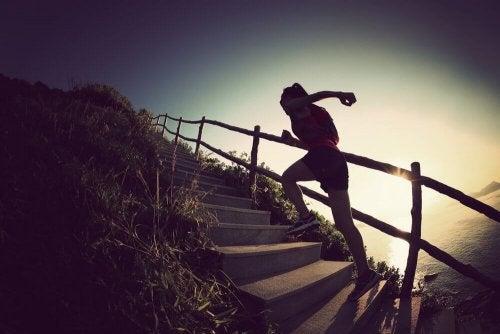 Omhoog rennen bij een trap