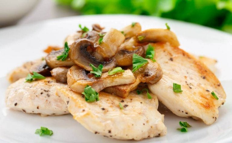 Recept voor gegratineerde kip met champignons