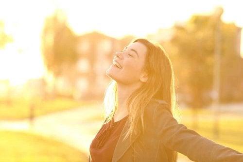 Genieten van de zon door van je leven te houden