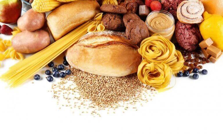 Verschillende soorten brood en pasta