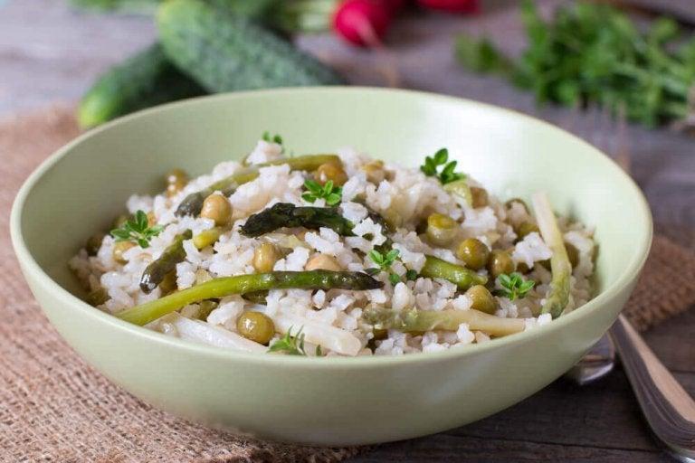Gezonde recepten voor rijst met groenten en chiazaden