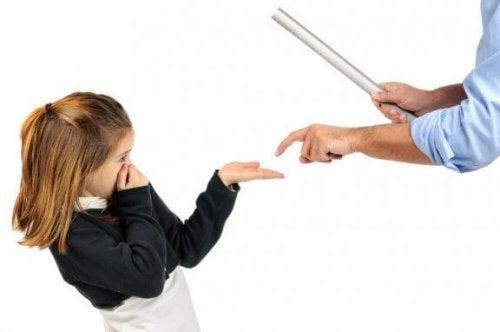 Gevolgen van fysiek straffen van een kind