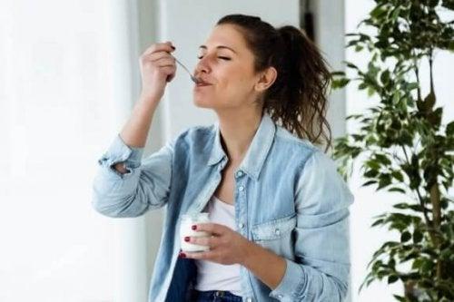 Het yoghurtdieet: gezond gewicht verliezen