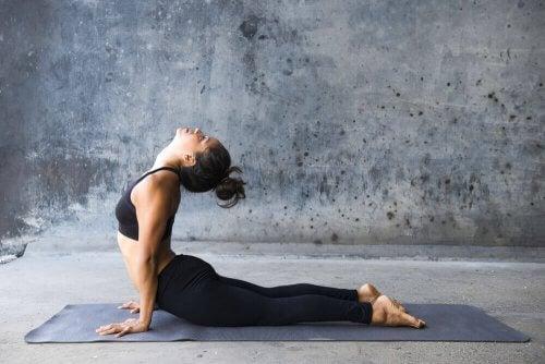 Kun je afvallen met yoga?