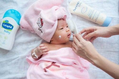 De beste verzorgingstips voor je pasgeboren baby