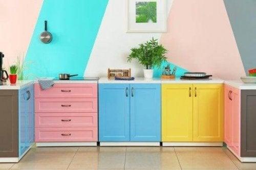 Goedkope manieren om je keuken te renoveren
