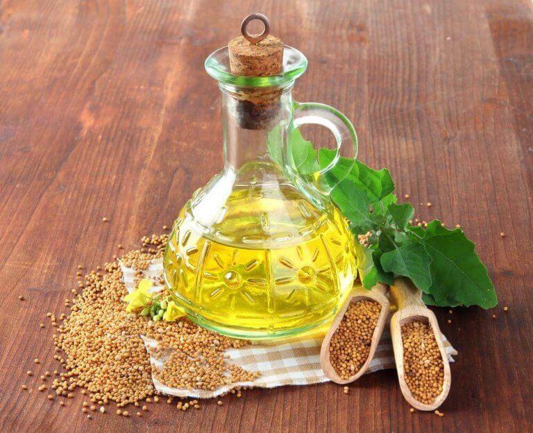 azijn en mosterdzaad voor het verwijderen van krassen