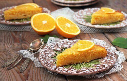 Huisgemaakte sinaasappelcake in vijf minuten