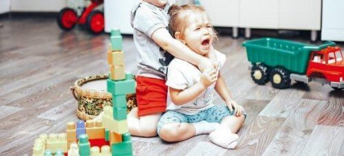 Hoe je vechten tussen kinderen onder controle krijgt