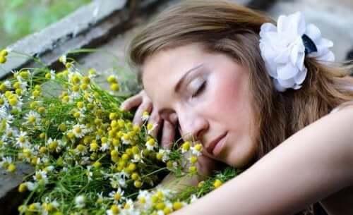 Acht geurige oliën die je helpen om beter te slapen