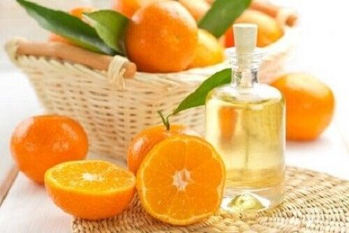 Bescherm je haar tegen de zon met een olie van mandarijn en jojoba