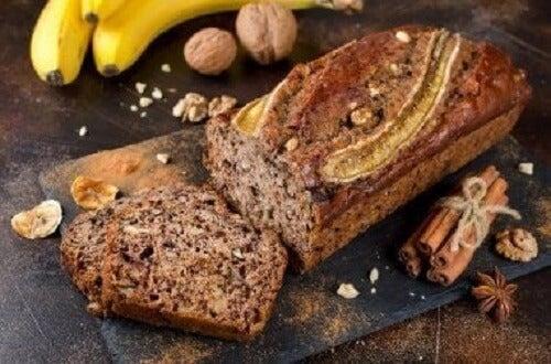 Een heerlijk bananenbrood met honing en kaneel