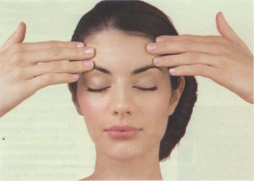 Masseer je hoofd en verlicht je hoofdpijn