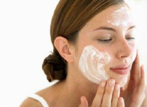 Gebruik een zachte zeep