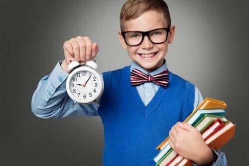 Hoe je je kinderen tijdmanagement-vaardigheden leert