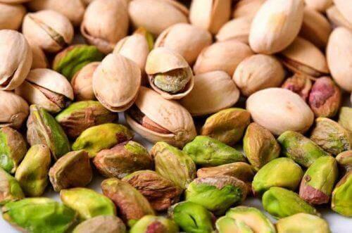 pistachenoten met en zonder schil