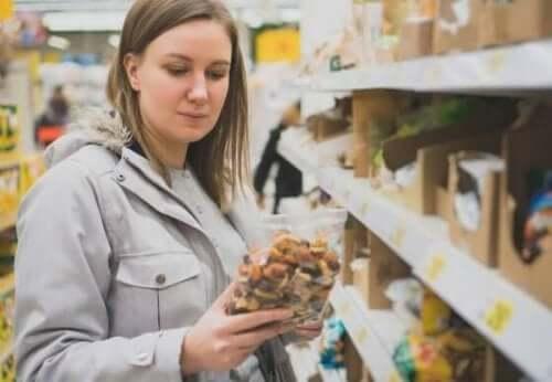 Wat staat er op het etiket van een voedingsmiddel?