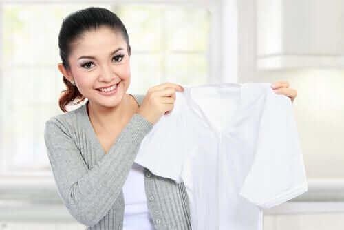 Wit shirt zonder vlekken