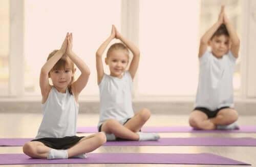 Kinderen doen aan lichaamsbeweging