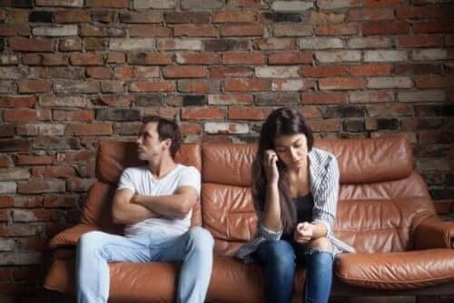 Zes dingen die je partner nooit van je mag vragen
